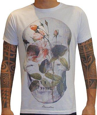 T-shirt Boundless caveira com flores