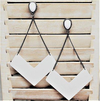 Brinco boomerang branco