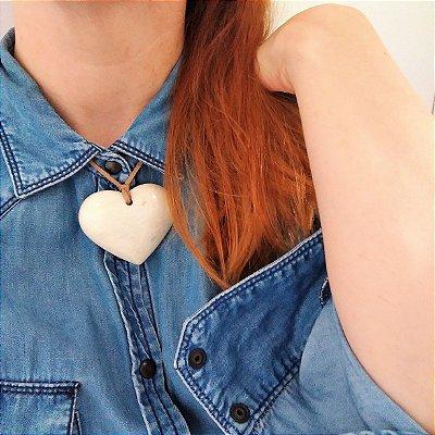 Colar coração feldspato