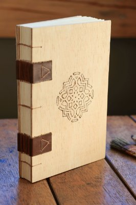 Bullet Journal A5 com capa em madeira