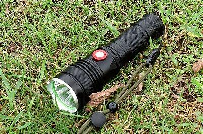 Lanterna Robusta Tática XML L2 Recarregável Camping Caça Bateria 26650 Litio 8849