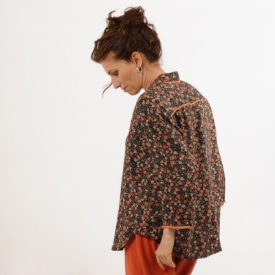 Camisa  Plus Size de Viscose Estampadinha Marrom e Laranja