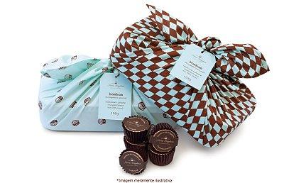Marmita com 15 Bombons de Brigadeiro - Tradicional, Noir, Chocolate Branco e Pistache