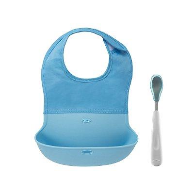 Conjunto de babador com bolsa de silicone e colher com ponta de silicone OXOTot Azul