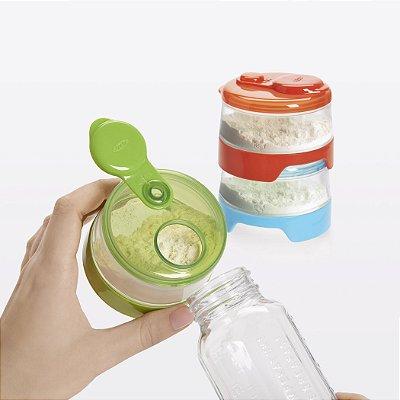 Conjunto de potes plásticos empilhaveis com tampa para leite em pó  OXOTot - Na medida exata para a sua mamadeira !!
