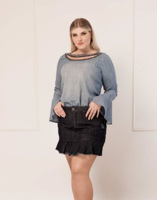 BLUSA PLUS SIZE BORDADA