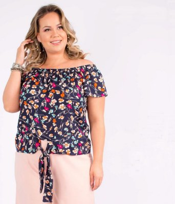 BLUSA PLUS SIZE OMBRO A OMBRO FLORAL