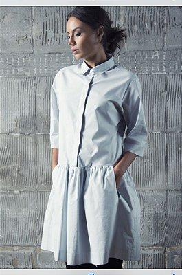 Vestido curto em tricoline com elastano