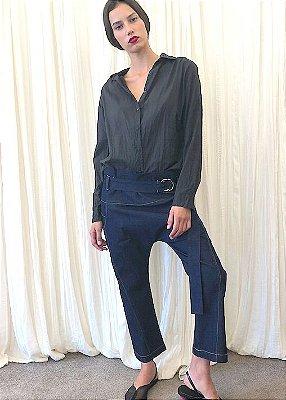 Calça jeans cinto com fivela