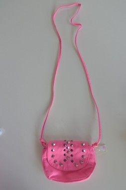 Bolsa rosa com tachas