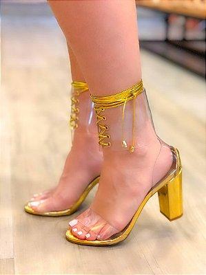 Sandália Salto Grosso com Transparência e Amarração Dourada Gleice