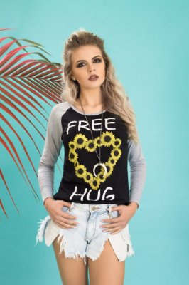 Camiseta Feminina Manga Longa Raglan Free Hug