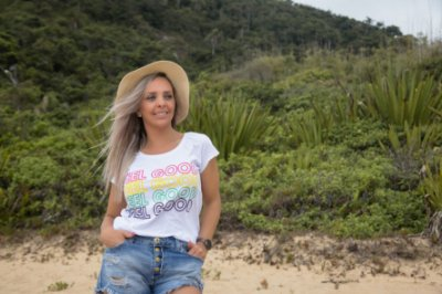 Camiseta Feminina FEEL GOOD