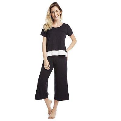 Pijama Feminino Pantacourt Preto com Cetim Off White