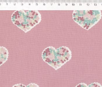 Tecido Tricoline Estampado Patch Love - Coração (Fundo Rosa) - Coleção Vanessa Guimarães - 50cm x 150cm