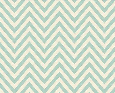 Tecido Tricoline Chevron Verde e Bege - Patch Love - Coleção Vanessa Guimarães - 50cm x 150cm
