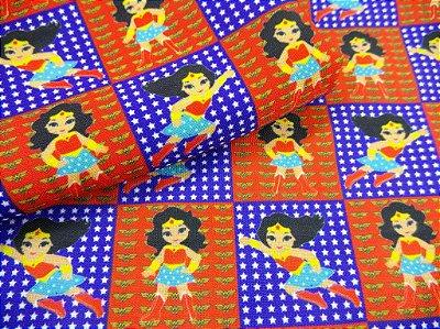 Tecido Estampa Exclusiva de Personagens - Mulher Maravilha - 100% poliéster - Preço de 80cm x 60cm