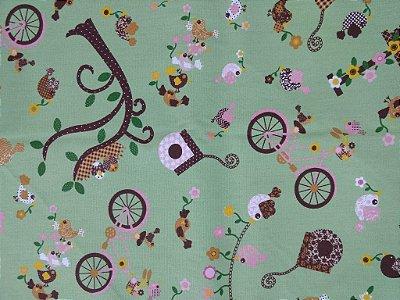 Tecido Tricoline Estampa de Bicicletas, Pássaros, Casinha de Passarinho (Fundo Verde) - Coleção Recanto dos Pássaros - Preço de 50 cm X 150 cm