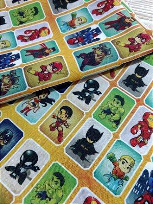 Tecido Estampa Exclusiva de Personagens - Heroís em Figurinhas - 100% poliéster - Preço de 80cm x 60cm
