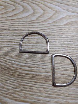 Meia Argola ou Argola D Prata - 4 cm x 3cm - Preço de 2 unidades