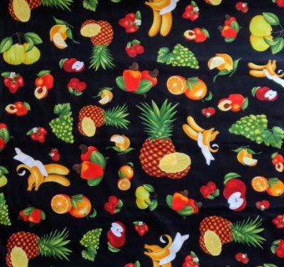 Tecido Tricoline Estampa de Frutas Grandes - Fundo Preto - Preço de 50 cm X 150 cm