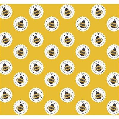 Tecido Tricoline Abelha no Círculo - Fundo Mostarda - Coleção Bee Buzz - Preço de 50 cm x 150 cm