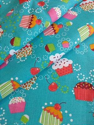 Tecido Tricoline Cupcake - Fundo Azul Claro - Preço de 50cm x 150cm