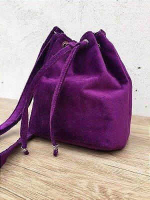 Bolsa saco em veludo roxo