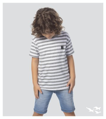 Camiseta infantil menino listrada