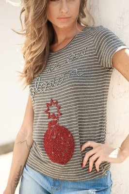 SALE | Blusa Listrinha Bordado Love is a Explosion