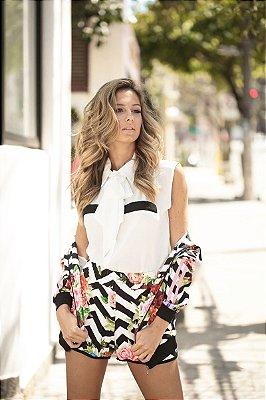 SALE | Camisa Regata Branca Detalhe Bolso