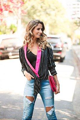 SALE | Camisa Listrada Detalhe Rosa