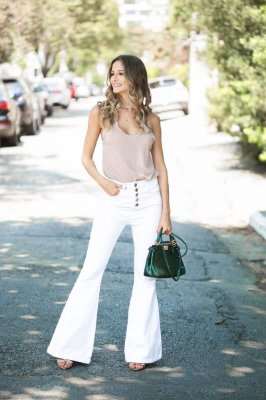 LANÇAMENTO | Calça Flare Sarja Branca
