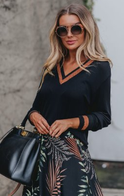 URBAN STYLE | Blusa Podrinha Decote V Black