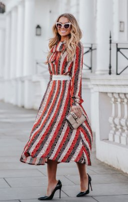 URBAN STYLE | Saia Midi Red Stripes