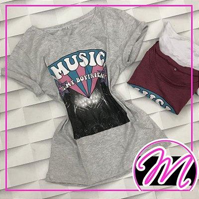 """T-shirt """"Music is my Boyfriend"""""""