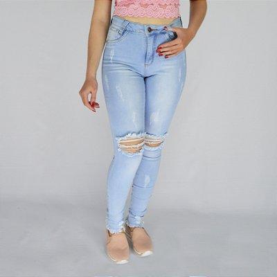Calça Jeans Clara Rasgadinha no Joelho