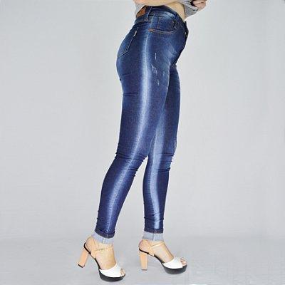 Calça Jeans com Macha Lateral
