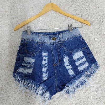 Shorts Jeans Manchado Dois Rasgos