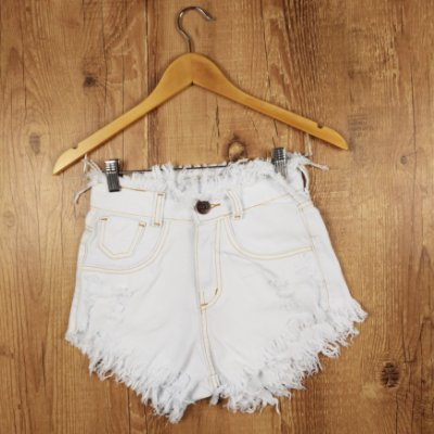 Shorts Jeans Branco Desfiado na Cintura