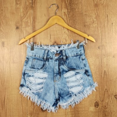 Shorts Jeans Desfiado e Rasgado