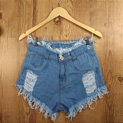 Shorts Jeans Claro Desfiado na Cintura