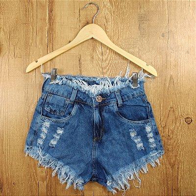 Shorts Jeans Azul Médio Desfiado na Cintura