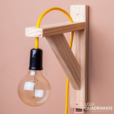 Luminária de Parede Amarela