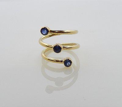 Anel de ouro com Safiras azuis
