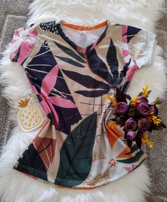 Camiseta Feminina Floral no Atacado Floral Colorida