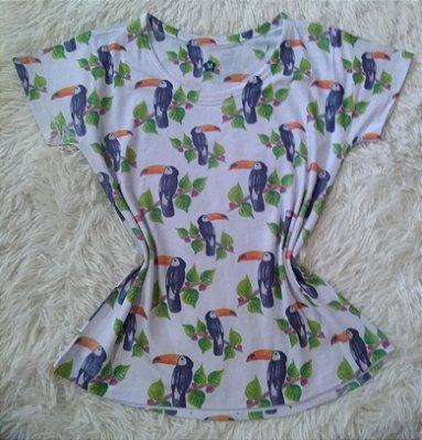 T Shirt Feminina Para Revenda Tucanos e Plantas
