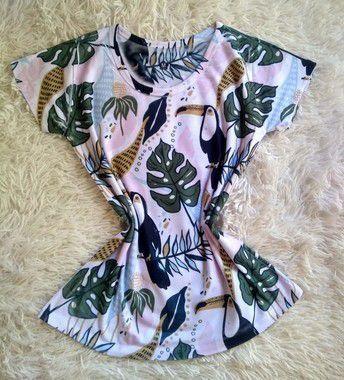 T-Shirt Feminina no Atacado Tucanos e Plantas