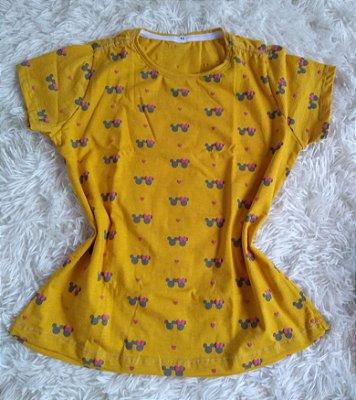 T-Shirt Feminina no Atacado Minnie Fundo Amarelo