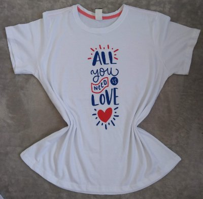 Tee Feminina no Atacado All You Need Is Love